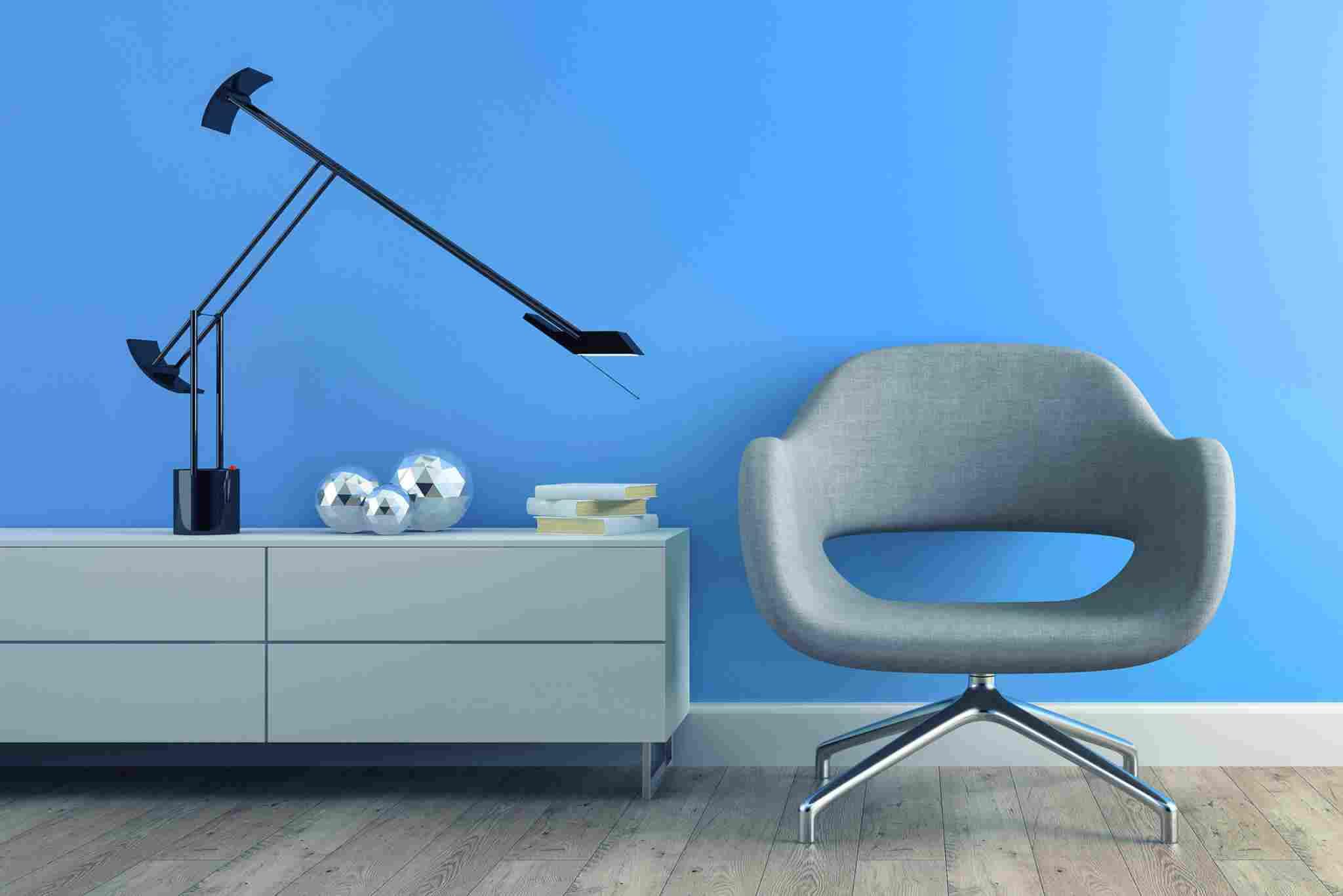 http://kpk-lenk.de/wp-content/uploads/2017/05/image-chair-blue-wall.jpg